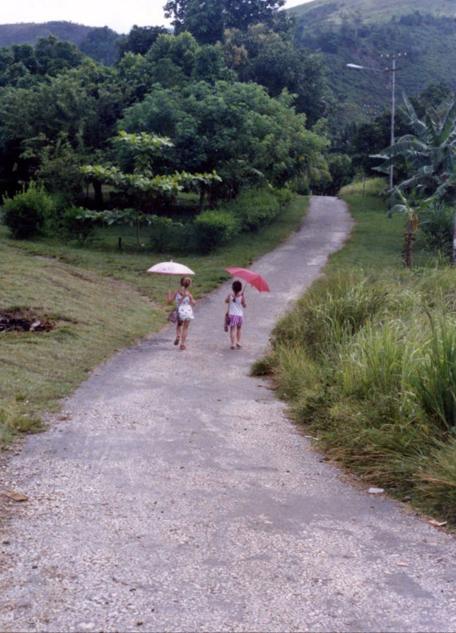 girls walking 3